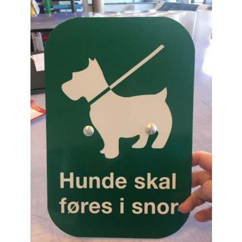 Hunde skal føres i snor 30x20cm aluskilt